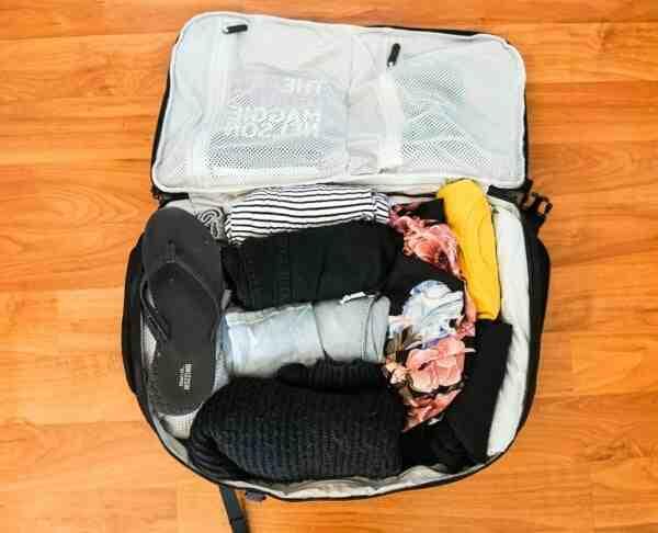 Comment plier ses vêtements pour voyager